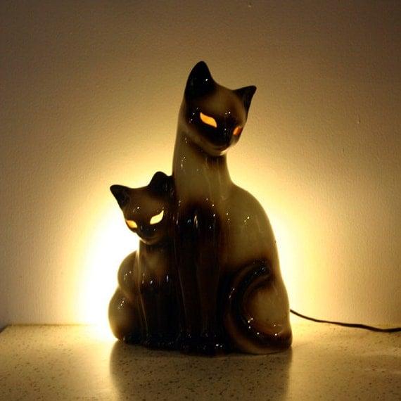 Vintage Siamese Cat Lamp / 1950s TV Lamp