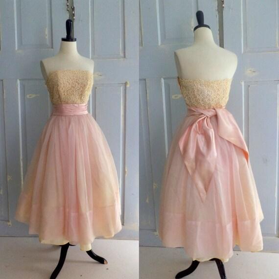 Vintage 1950s Dress 50s Strapless Tulle Full Skirt Pale Pink