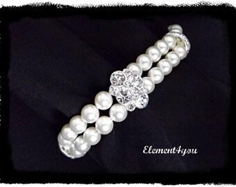 Pearl Bracelet. Bridal jewelry. Wedding jewellery. Swarovski ivory or white pearls. Two strands pearl bracelet. Rhinestone. Bridesmaid gift.