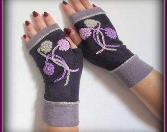 Fingerless gloves with applique , arm  warmers