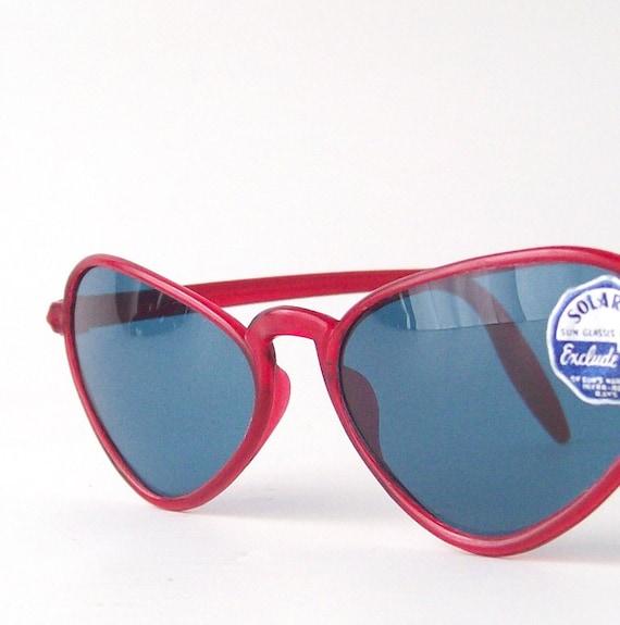 vintage cateye sun glasses blue lenses red frames solarex sunglasses fashion retro women accessories fashion style