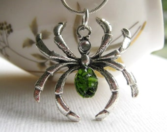 Stained Glass Emerald Green Spider Necklace, Holloween Necklace