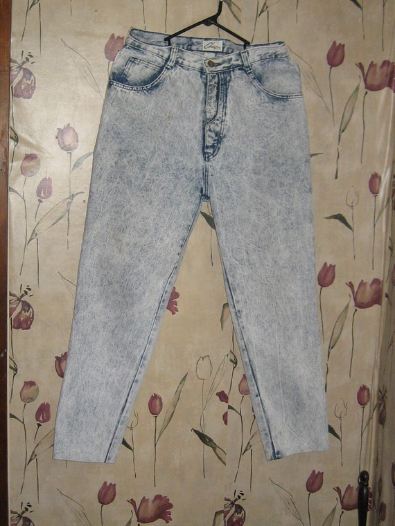 SHARP 1980s  ladies high waist acid wash jeans by Chazzz  size  13