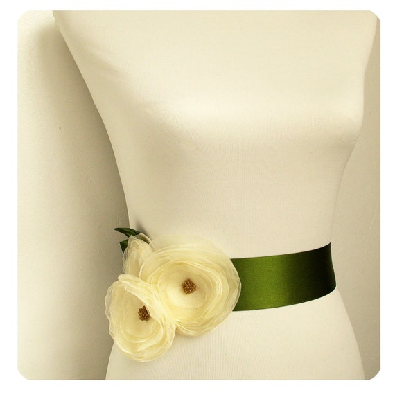 Rustic Wedding Bridal Sash - Moss Green Sash with Ivory Fabric Flowers, Rustic Wedding Belt