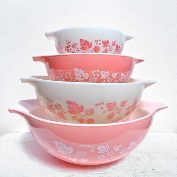 Vintage Pyrex Pink Gooseberry Cinderella Bowl Set