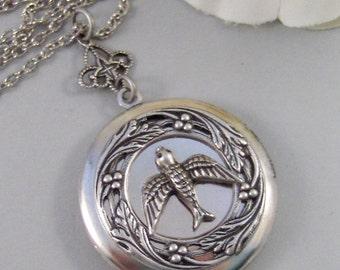 Frosted Melody,Bird,Bird Jewelry,Bird Necklace,Brid Locket,Sparrow Necklace,Sparrow Jewelry,Sparrow Locket,Antique Locket, valleygirldesigns