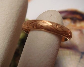 Vintage 1950's to 1960's  Wedding/ Engagement Ring in 18k Gold Band Classic design size 7
