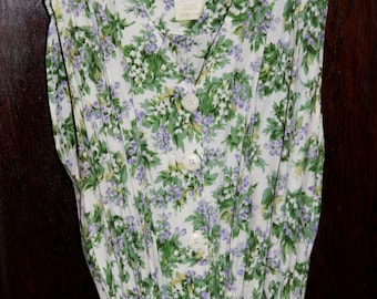 Beautiful Vintage Lilac Print Dress- Size M