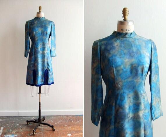 SALE////Vintage 1960s marbled blue dress with velvet hem and double leg slits
