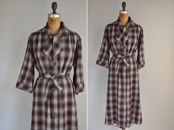 vintage 1940s 40s flannel robe / 1940s holiday flannel over coat robe / Christmas Morning