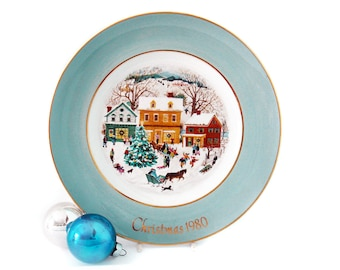 Vintage AVON Christmas Plate 1980 - Country Christmas - Avon Collectible Plate - Wedgewood Plate