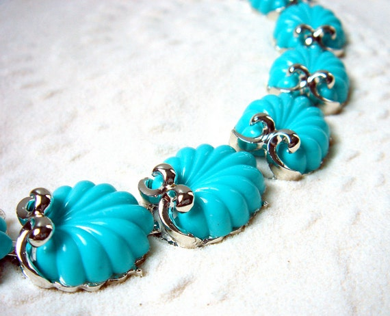 Reserved for EimanA - Vintage Coro chunky thermoset turquoise seashells bracelet - 1950's