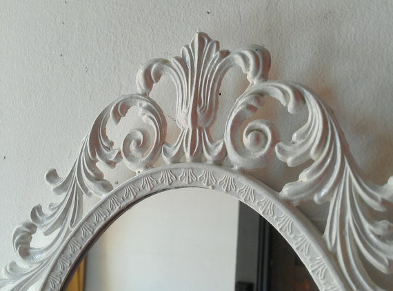 Ornate white mirror decorative vintage oval wall mirrors for Fancy white mirror