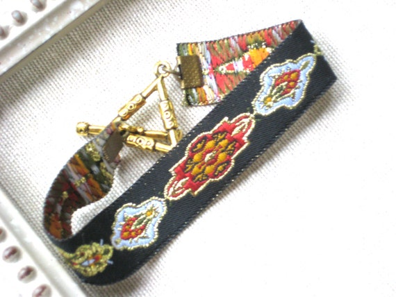 Moroccan Inspired Fabric Ribbon Bracelet with Gold Triangle Clasp, Black, Geometric, Layering, Simple, Bohemian