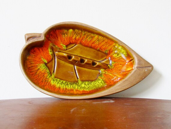 vintage 1960s Ashtray // Autumn Leaf // Fall Colors // Ceramic Glazed