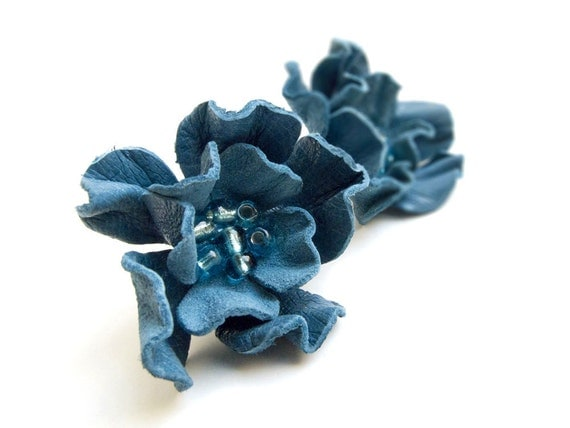 Blue leather flower stud earrings