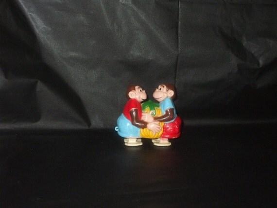 Vintage MARX Monkey Pair Plastic Ramp Walker Pull Toy
