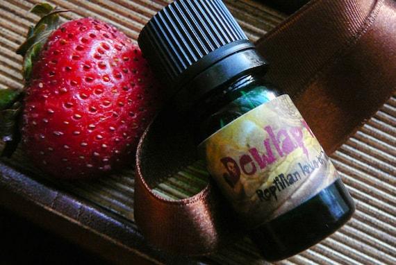 Dewlap Valentine handcrafted perfume oil - 5mL green glass bottle