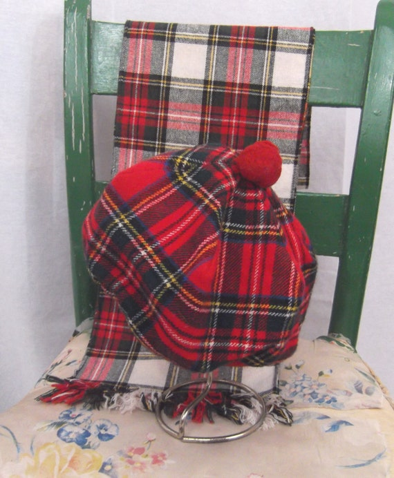 red wool plaid beret pom pom hat and red plaid by zasuvintage. Black Bedroom Furniture Sets. Home Design Ideas