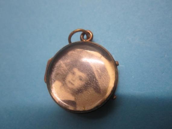antique locket picture pendant // around 1900