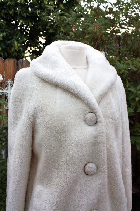 teddy bear coat jacket white ivory cream vintage retro 1960s. Black Bedroom Furniture Sets. Home Design Ideas