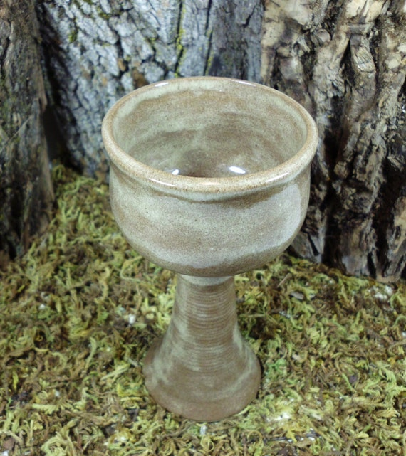 Wiccan Wedding Altar: Ritual Altar Chalice Witchcraft Wiccan AltarPagan