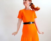Vintage 1960s Bright Orange Mod Knit Sweater Day Dress. Mad Men Fashion. Spring Fashion. Large