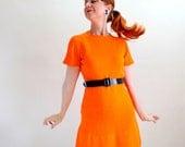 Vintage 1960s Bright Orange Mod Knit Sweater Day Dress. Mad Men Fashion. Spring Fashion. Large