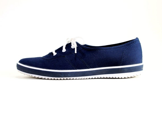 Womens Navy White Nautical Sneakers Canvas Boat Shoes. US Size 8