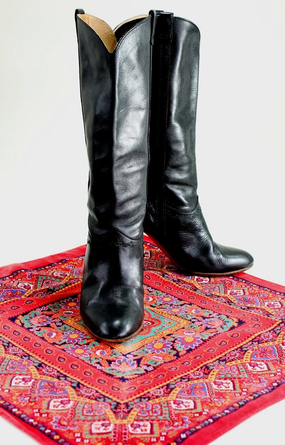 RESERVED for Julia-- Vintage 1970s Black Italian Leather Heeled Boots. Boho. Winter Fashion. Spring Fashion. US Size 8