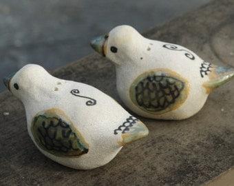 2 ducks salt and pepper shakers