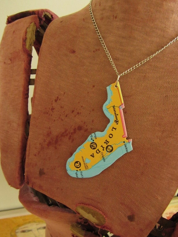 FLORIDA State Pendant Necklace - Repurposed Vintage USA State Jigsaw Puzzle Piece