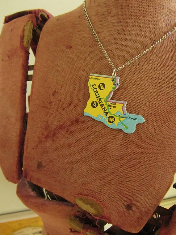LOUISIANA State Pendant Necklace - Repurposed Vintage USA State Puzzle Piece