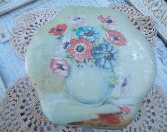 V i n t a g e Tin, Made in England, Tin, Button Tin, Vintage Tin, Floral Tin, Storage Tin