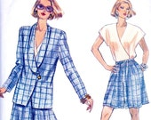 Vogue 7791 Very Easy Vogue Shorts, Blazer Jacket, and Wrap Blouse Sewing Pattern Uncut Bust 32-36