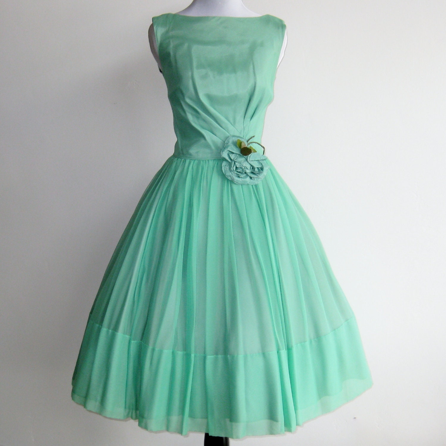 Vintage 50s Mint Green Chiffon Jr Theme Full Skirt Formal