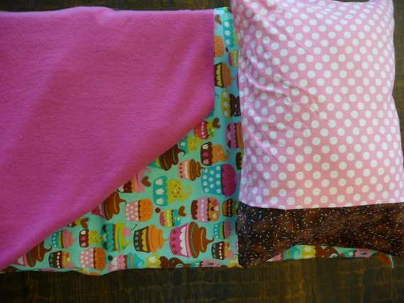CLEARANCE  Napmat Cover - Cupcakes