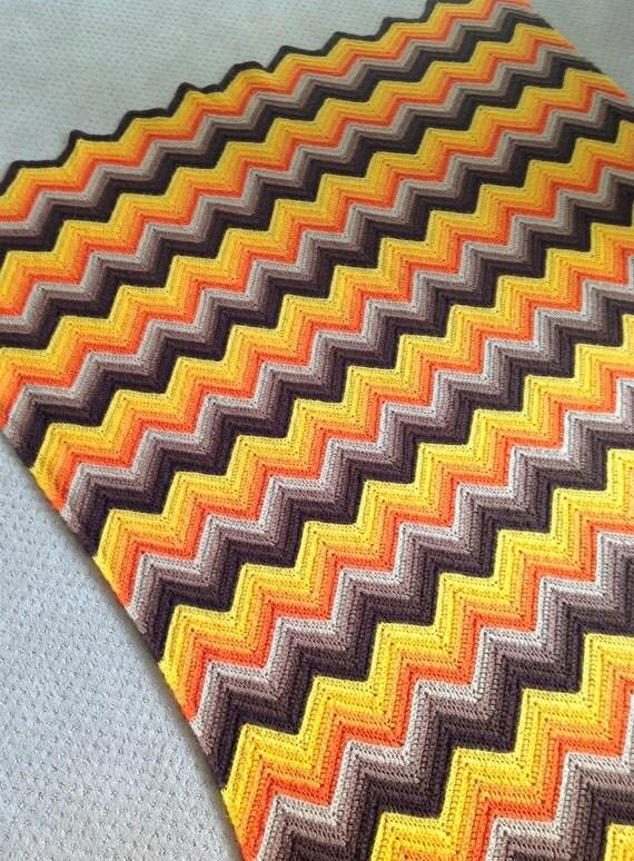 Vintage 1970s ZigZag Design Afghan Blanket in Autumn Colors