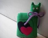 Kelly Green Love Cat