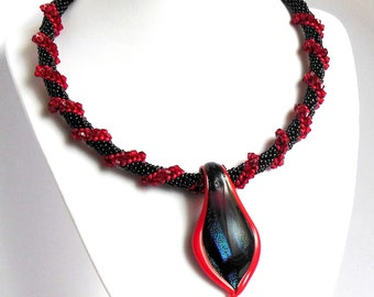 Collar Necklace Beaded Crochet with pendant leaf Murano Red Black gift for her Christmas