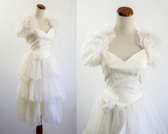 Vintage Wedding Dress --  Tea Length Wedding Dress -- Sweetheart Neckline -- XXS XS