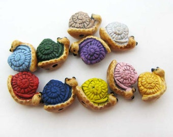 20 Tiny Snail Beads - CB704