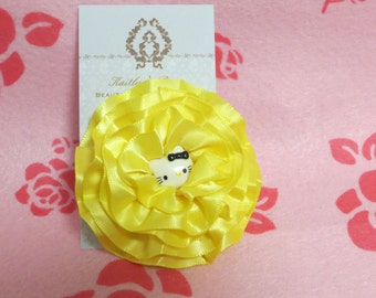 Hello Kitty yellow flower clip