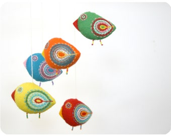 Nursery mobile, baby crib mobile, felt mobile, bird mobile, baby mobile, baby shower, crib mobile - 5 felt birds decoration