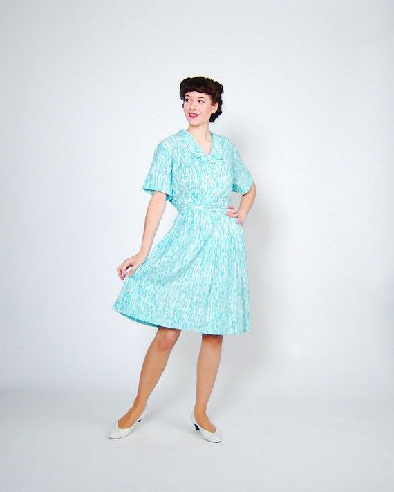 Clearance - sale - Vintage 1960s Dress - 60s Day Dress - Aqua Crackle - Plus Size
