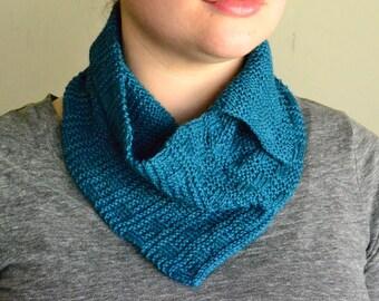 Basketweave Neckerchief Knitting Pattern by Katie Canavan