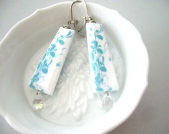 White turquoise flower earrings