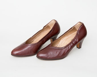Size 7 Maroonish Brown High Heels pumps Dead Stock vintage Shoes