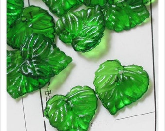 60pcs of Acrylic Leaf Beads, Icy Green