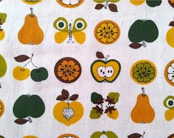 SALE Apple and Pears Fabric Retro Kitchen Fabric Cotton Canvas - 1 Yard